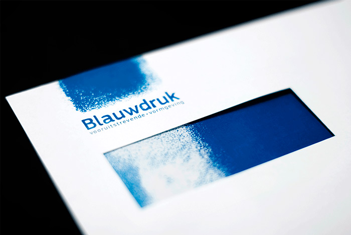 Robbin_Veldman_Nijverdal_Blauwdruk_Overijs_vooruitstrevende_progressive_advanced_pioneering_Blueprint_Blue_Blauw_Royal_Letterhead_Compain_Company_Bureau_Studio_Gemeente_Hellendoorn_Eigen_Oogst_Overijssel_Nederland_Schilder_Painter_Grafisch_Ontwerp_Graphic_Design_Visual_Visueel_Beeldend_Artist_Kunstenaar_Vormgever_Kunst_Art_Communicatie_Communication_Eye_Oog_Detail_Precise_Realistic_Real_Magisch_Magical_Magic_Realism_Realisme_Detailed_Fotografisch_Hyper_Photorealistic_Gedetailleerd_Kleur_Color_Modern_Klassiek_Classic_Traditioneel_Traditional_Zwart_Wit_Black_White_BW_ZW_Figuratief_Surrealistic_Surrealistisch_Vervreemdend_Figurative_Illustratief_Illustrative_Illustration_Tekeningen_Illustraties_Drawings_Images_Afbeeldingen_Photo_Camera_Cam_Foto_Studio_Bureau_Logo_Huisstijl_Visual_Identity_Campagne_Concept_Idee_Creatief_Creative_Creation_Maken_Packaging_Verpakking_Folded_Gevouwen_Origamie_special_Speciaal_Verrassing_Supprice_Niermala_Bouwina_Timmers_Raalte_Rotterdam_Amsterdam_Avrotros_Het_Stilleven_Stil_Life_Contest_Portrait_Portret_Vondel_CS_Ootmarsum_Kunstenaarsdorp_Atelier_galerie_Kunstmarkt_Expositie_The_Netherlands_Holandse_Meesters_Dutch_Masters_Rembrandt_Rijn_Johannes_Vermeer_Vincent_Gogh_Verf_Paint_Acrylverf_Acrylic_Oil_Olieverf_Fast_Drying_Sneldrogend_Alkydverf_Alkyd_Aquarel_Cibap_Vakschool_Verbeelding_ArtEZ_Hogeschool_Kunsten_Zwolle_Enschede_Arnhem_Canvas_Doek_Linnen_Katoen_Landscape_Landschap_Dieren_Animals_Cat_Dog_Hond_Kat_People_Mensen_Human_Mens_Man_Male_Female_Vrouw_Woman_Meisje_Girl_Jongen_Boy_Kids_Childeren_Kinderen_Familie_Family_Gezin_Household_Vereeuwigd_Immortalized_Forever_Always_Voor_Altijd_Frame_Lijst_Regenboog_Rainbow_Handgemaakt_Handmade_Lichtval_Lighting_Catapult_creeert_Jouw_commercieel_Commercial_recamemakers_Social_Media_Strategie_Strategie_Plan_Guerrilla_Diensten_Services_Klant_Customer_Digital_Digitaal_Medium_Media_DTP_Desk_Top_Publisher_Web_Multimedia_Motiongraphics_Animatie_Animation_Bewegend_Moving_Beeld_Image_Interface_Menu_Scherm_Monitor_Stopmotion_Video_Film_Clip_Montage_Craft_Schets_Sketch_Brush_Kwast_Pensil_Pen_Potlood_Papier_Paper_Card_Board_Karton_Help_Hulp_Advies_Advice_Personal_Persoonlijk_Doelgroep_Target_Audience_Eindhove_Breda_HKU_Utrecht_WDKA_Willem_Kooning_KABK_Den_Haag_Minerva_Groningen